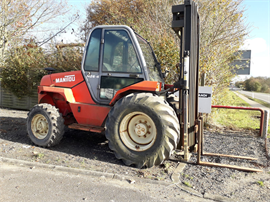 Manitou M26-4 truck